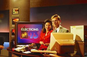 Denis-Martin Chabot avec un collègue de Radio-Canada au travail en 1993.